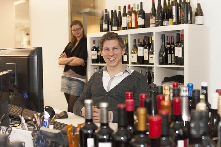Weinflaschen gehören hier zur Grundausstattung