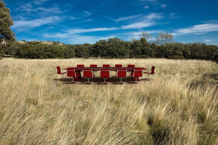 Ein Startup, das Tische, Stühle und Laptops vermietet