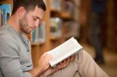 10 Bücher, die bei vielen Gründern im Büro liegen