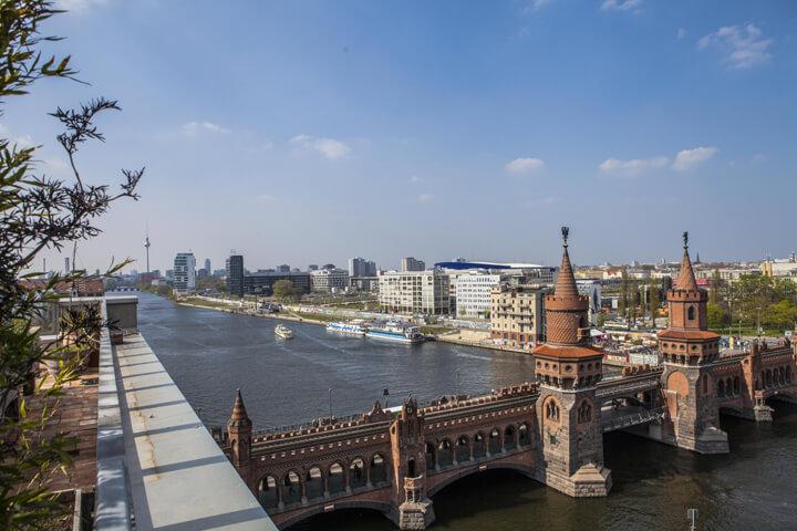 Ohne Frage, die geilste Dachterrasse in ganz Berlin!