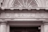 FinTech: Erst sterben die Filialen, dann stirbt die Bank