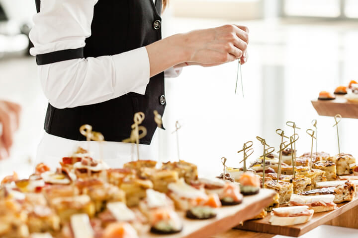how to offer catering to startups