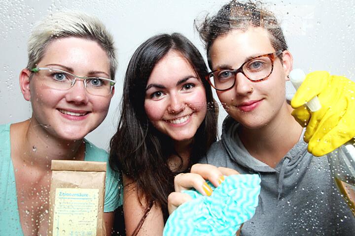 """Zwei Leipzigerinnen putzen ohne """"unnötige Schadstoffe"""""""
