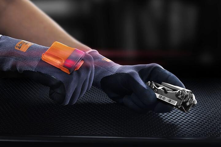 5,5 Millionen Euro für vernetzte Handschuhe aus München
