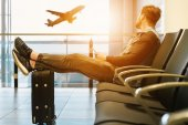 Emirates-Tochter übernimmt Reisedienst von ProSiebenSat.1 – Alle Deals des Tages