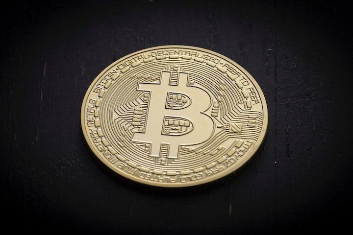 Blockchain-Startup sammelt 100 Millionen Dollar – Alle Deals des Tages