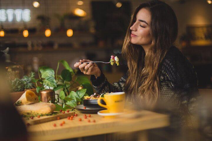 Millioneninvestition für Münchner Restaurant-App – Alle Deals des Tages