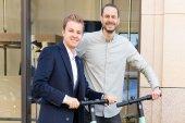 Nico Rosberg steigt bei Berliner E-Scooter-Startup ein – Alle Deals des Tages