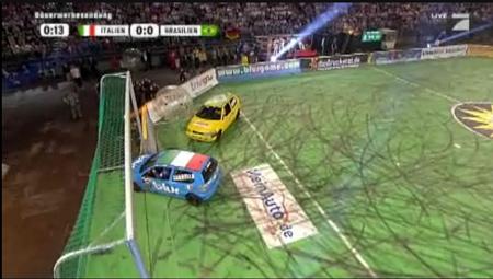 TV-Werbung mal anders: MeinAuto kämpft mit Stefan Raab um den Ball