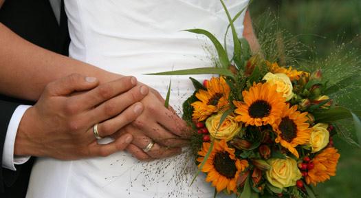 """""""Ja, ich will"""" – Neue Hochzeitsseiten bringen Schwung ins Heiratsgeschäft"""