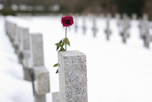 Das Geschäft mit dem Tod: virtuelle Friedhöfe als letzte Ruhestätte