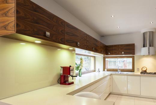 k chenschlacht k chen quelle vs kiveda und beide gemeinsam mit prosiebensat 1 deutsche. Black Bedroom Furniture Sets. Home Design Ideas
