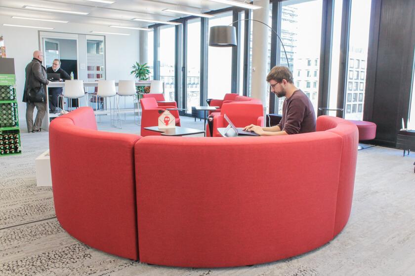 Digitale Leute - Tobias Röver - Microsoft - Die offene Office-Architektur ermöglicht es sich zurückzuziehen aber auch sich zu vernetzen.