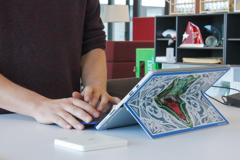 Digitale Leute - Tobias Röver - Microsoft - Das von Andreas Preis gestaltete Cover für das Surface.