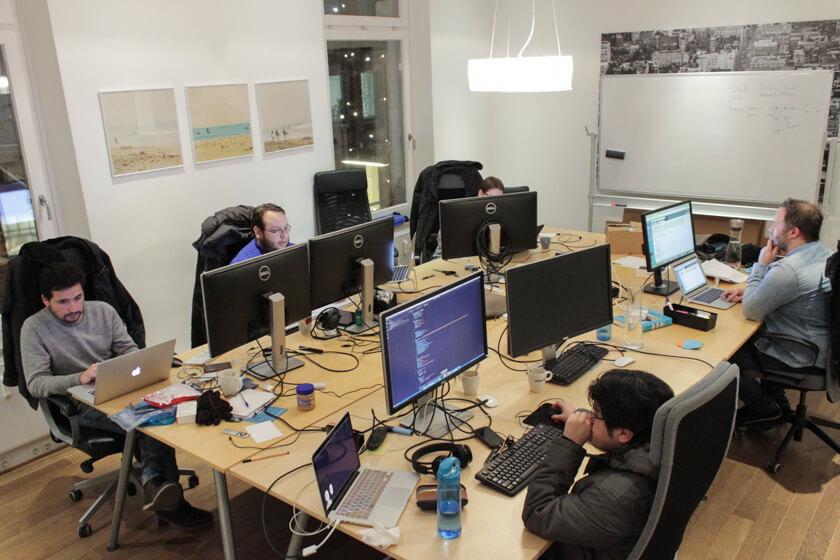 Digitale Leute - Sebastian Hoop - CollectAI - Eines der Teambüros von CollectAI im Hamburger Zentrum.