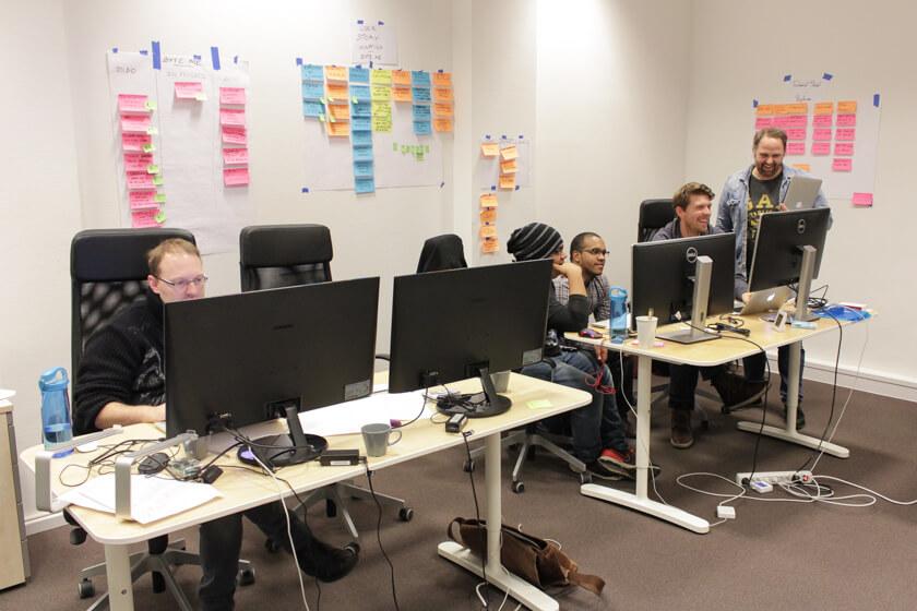 Digitale Leute - Sebastian Hoop - CollectAI - Sebastian statt einem anderen Entwicklungsteam von CollectAI einen Besuch ab.