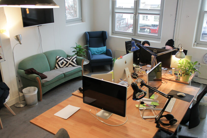 Digitale Leute - Ingo Ellerbusch - Jimdo - Momentan ist das Marketing Design Team zu dritt.