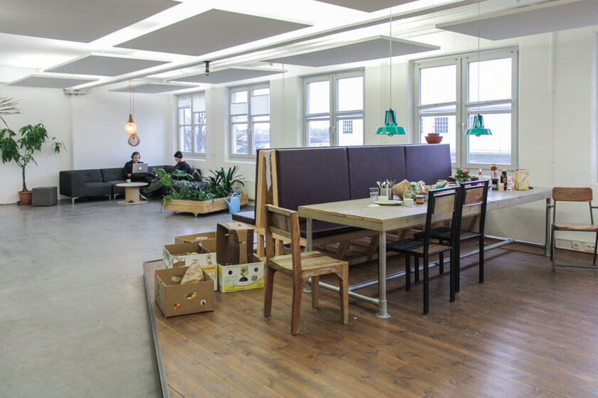 Digitale Leute - Ingo Ellerbusch - Jimdo - Auf jeder Etage gibt es eine Küche. So auch hier.