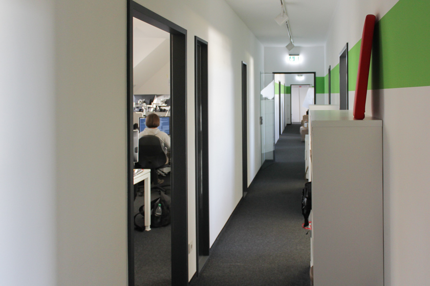 Digitale Leute - Sandro Gießl - eGym - Der Flur im zweiten Münchner Office bei eGym.
