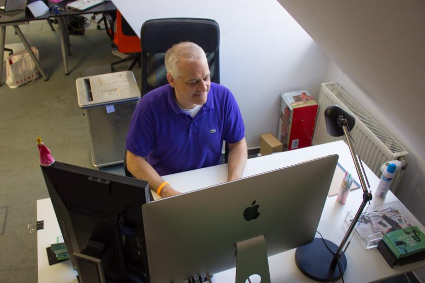 Digitale Leute - Stephan Schmidt - eventsofa - Stephans arbeitet heute mit einem iMac. Sein erster Computer war ein CPC.