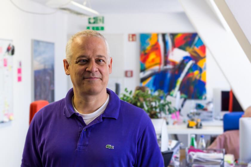 Digitale Leute - Stephan Schmidt - eventsofa - Stephan Schmidt lernte im Kaufhaus programmieren, in dem er sich abschaute, was die anderen Kinder in die zum Verkauf stehenden Computer eingaben.