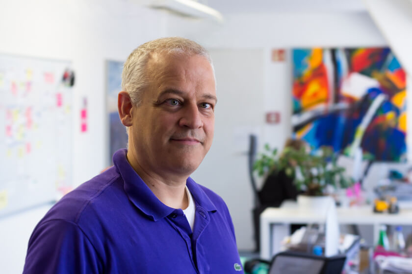 Digitale Leute - Stephan Schmidt - eventsofa - Portraitfoto von Stephan Schmidt, momentan CTO bei Eventsofa, dem Unternehmen seiner Frau.