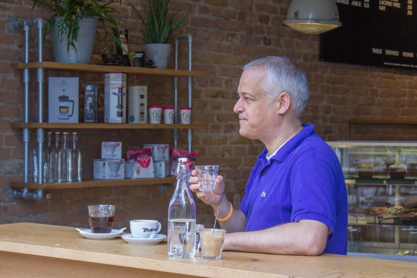 Digitale Leute - Stephan Schmidt - eventsofa - Stphan trinkt gerne Cappucchino.