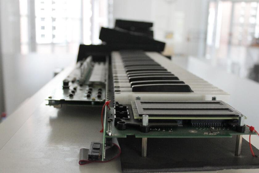Digitale Leute - Steffen Dierolf - Native Instruments - der Prototyp eines Keyboards