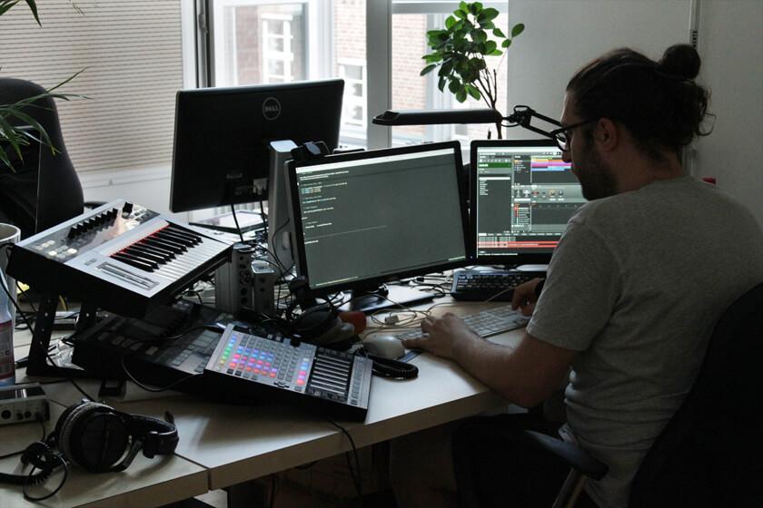Digitale Leute - Steffen Dierolf - Native Instruments - Der Arbeitsplatz eines Entwicklers