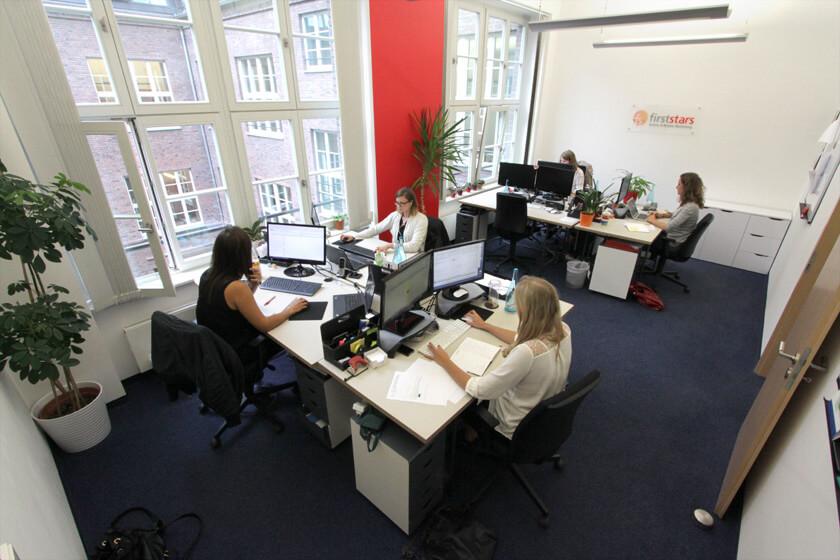 Digitale Leute - Anne Gradler - First Stars - Ein größeres Büro bei First Stars.