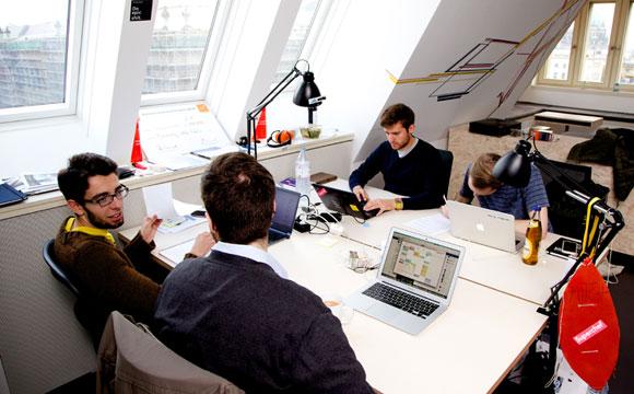 Startups_bei_der_Arbeit_Fot