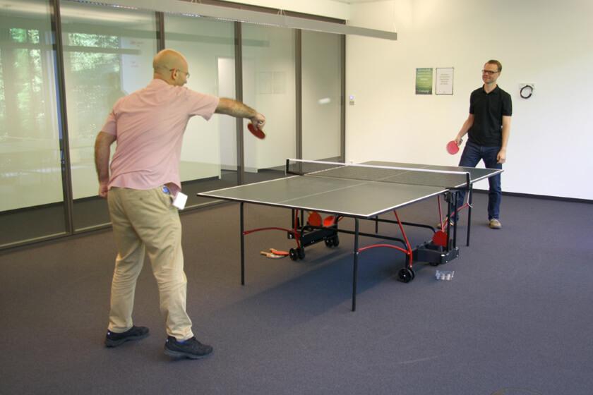 Digitale Leute - Hendrik Neumann - Chefkoch - Tischtennis im Chefkoch Büro