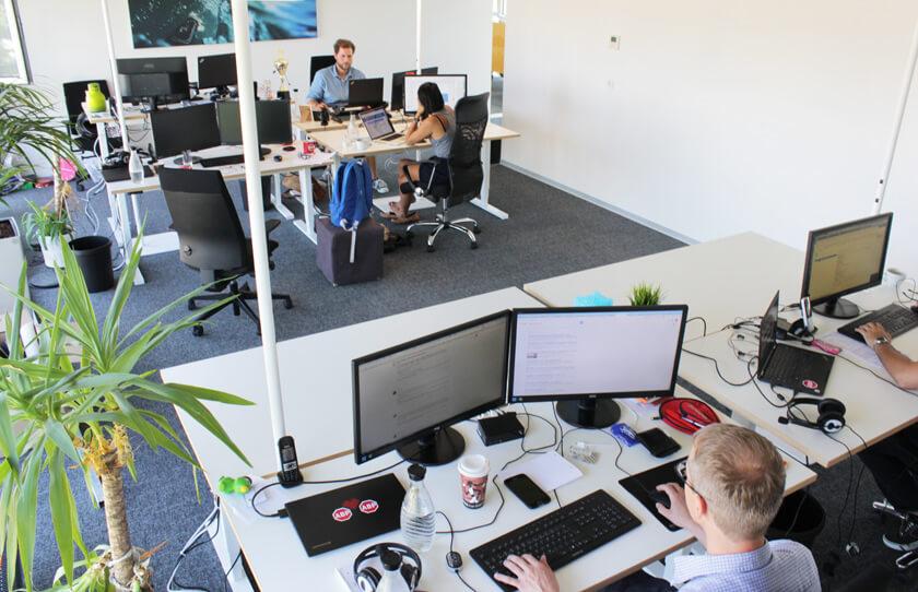 Digitale Leute - Christian Dommers - Eyeo GmbH - Christian Dommers arbeitet wie alle anderen in einem Gemeinschaftsbüro