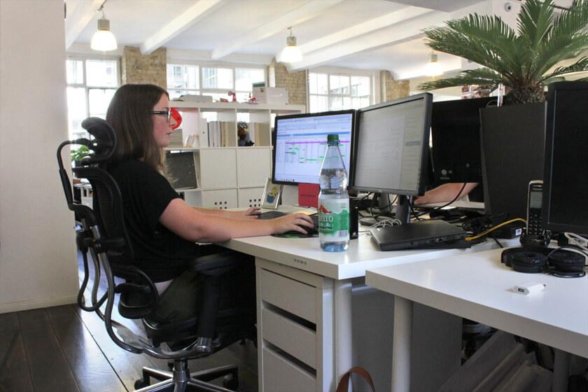 Digitale Leute - Magdalena Mues - Performics - Maggies Arbeitsplatz.