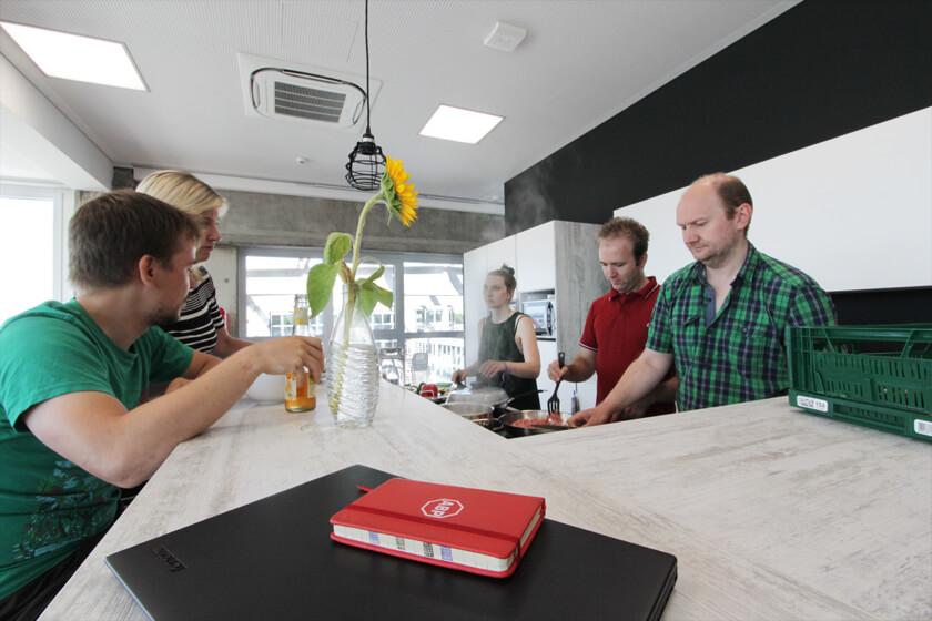 Digitale Leute - Christian Dommers - Eyeo GmbH - Bei Eyeo wird gerne mal gekocht