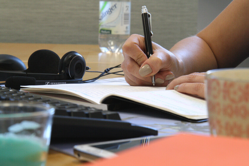 Digitale Leute - Virginia Kalla - employour - Ohne ihr Notizbuch kann Virginia nicht arbeiten