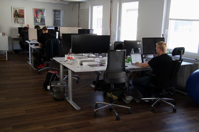Digitale Leute - Sebastian Deutsch - 9elements - Großraumbüro