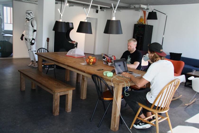 Digitale Leute - Sebastian Deutsch - 9elements - Gemeinsames Arbeiten in der Küche