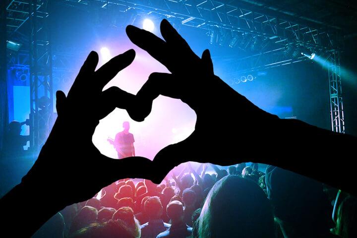 Mittendrin und live: concertVR bringt Konzerte aufs Handy