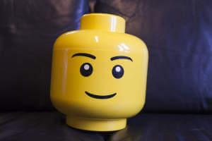 Zwischen Lego, Playmobil und der Feuerwehr