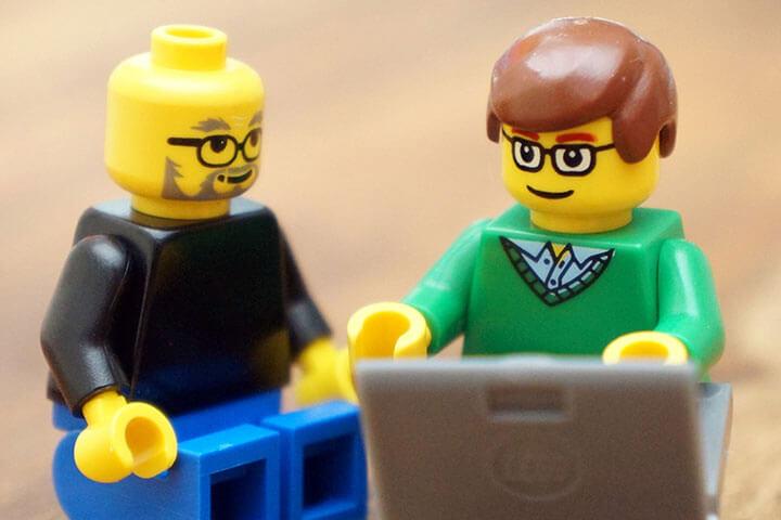 FamousBrick baut Steve Jobs und Bill Gates aus Lego nach