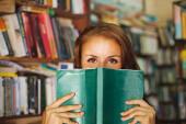 25 Bücher, die jeder 2018 endlich lesen sollte!