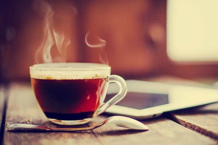 """""""Ich schwöre auf Wasser und die richtige Dosis Koffein"""""""