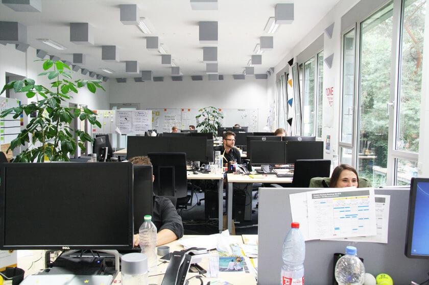 Inside Trusted Shops – Hendrik Lennarz – Executive Director Product & Technology - klassisches Großraumbüro