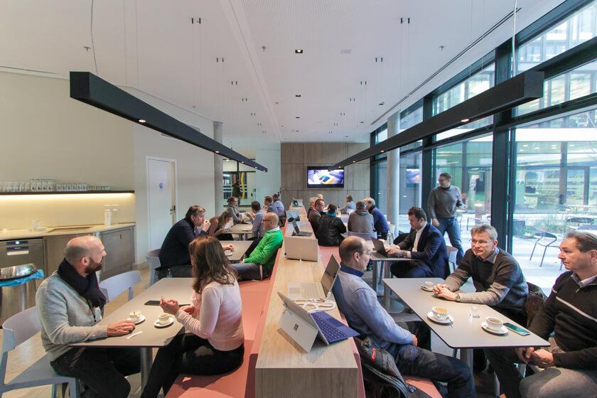 Digitale Leute - Tobias Röver - Microsoft - Das Café bei Microsoft in München.